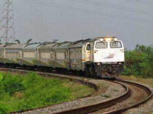 kereta api turangga