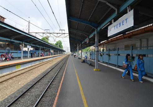 Jadwal KA di Stasiun Tebet